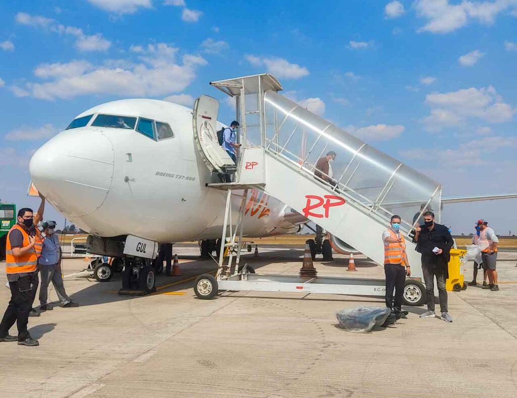 Chegando com o avião da Gol no aeroporto de Campo Grande, rumo a Bonito - MS