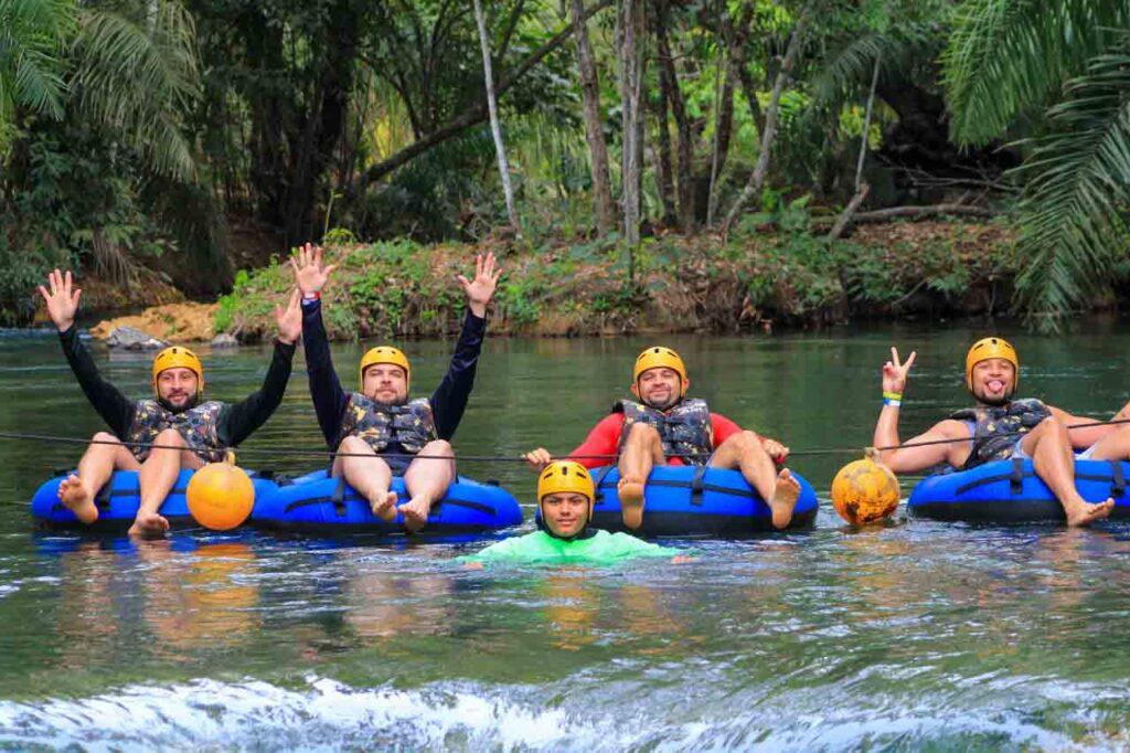 Will e amigos nas águas do Boia Cross com Dicas de Bonito, MS