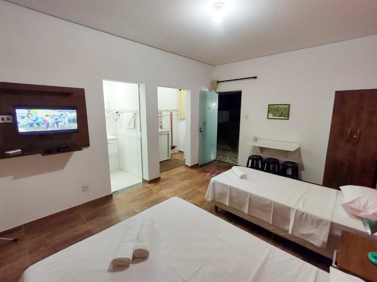 Flat Pinheirinho: uma opção de hospedagem barata e no centro de Capitólio.