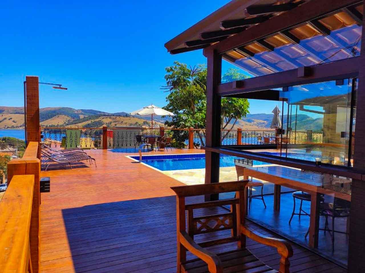 Piscina da pousada Buena Vista, uma ótima opção de onde ficar em Capitólio.